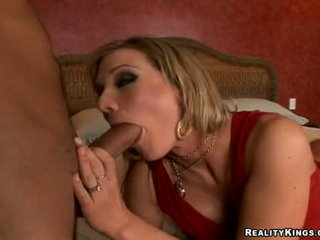 Horny Milf Nikki Sexxx Munchowdyng A Lengthy Hard Jock