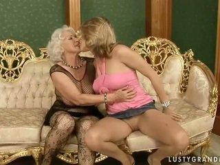 Pekné násťročné loves príťažlivé babka