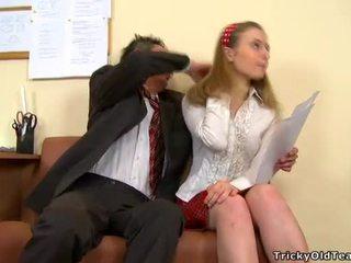 小犬スタイル クソ とともに 教師