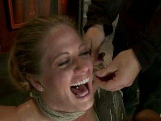 Elbows lié knees sur dur wood nipple suction neck rope breath jouer visage baise fabriqué à foutre