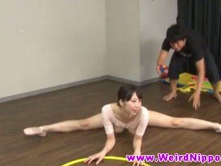Linh hoạt á châu ballet búp bê âm hộ licked