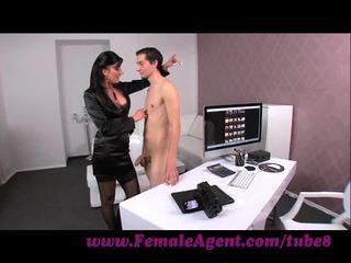 Femaleagent. virgin gets expert guidance থেকে মিলফ