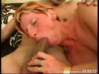 video mature and young lesbian