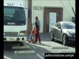 Erotic alb păr gagica has nailed inauntru the public loc