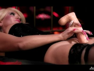 Classy Blonde Female Tiffany Kingston Masturbating