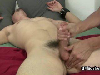 gejs stud paraut vairāk, geju kniedes blowjobs reāls, gay masturbācija
