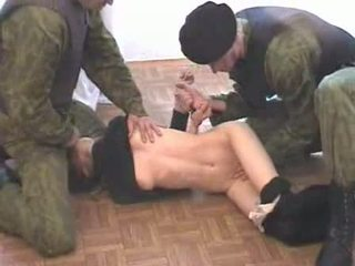 Two armia men brutalize terrorist wideo