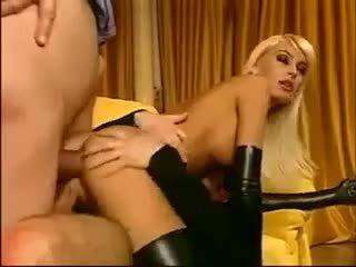 meest buit, plezier dubbele penetratie thumbnail, handschoenen seks