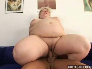 Great Big Hoe Has Her Massive Clam Rammed And Has Cream Pie