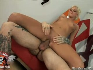 Bitchy honey christine alexis sits her öl gutarmak hole on a thick jock and loves it