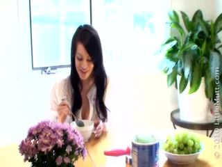 brunette film, vol meloenen klem, gratis speelgoed film