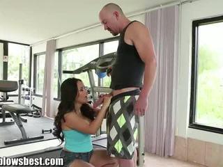 Hot jessica bangkok blowing and giving tits job