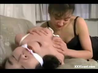 Đồng tính nữ á châu bondage