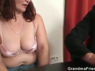 Ona loses v poker a takes two dicks na raz
