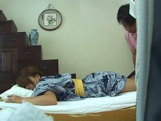 Giovane moglie casa massaggio parte 1