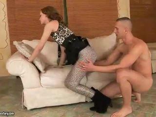 Gitta рус enjoys горещ крак секс