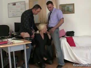 Two fellows fuck granny juures töö