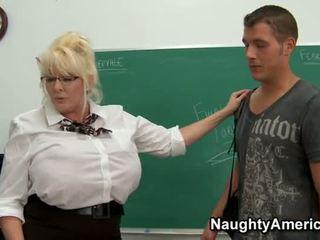 Kayla kleevage - ผู้หญิงไซส์ใหญ่ คุณครู ก้น ระยำ