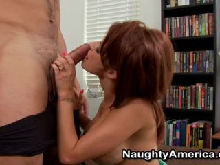 Beauty Joslyn James Having A Xxx Inside The House.