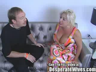 Уличница съпруга claudia marie gets прецака от мръсен d и swallows негов горещ load на spunk