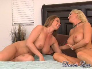 brunette, pussy licking posted, see lesbians film
