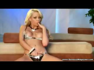 Watch Lindsay Marie Finger Her Twat.