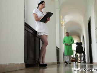 Νοσοκόμα abbie