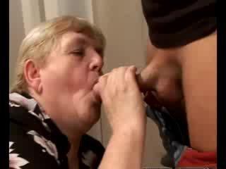Cachonda abuelita gilf swallowing nena rabo