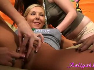 Aaliyah liefde got finger bang in alle meisjes party