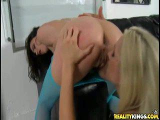 alle brunette porno, hardcore sex, nieuw groepsseks