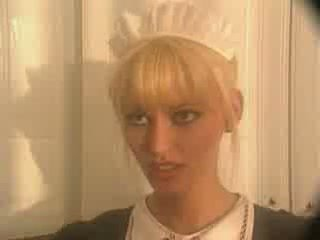 Anita ξανθός ως ένα υπηρέτρια