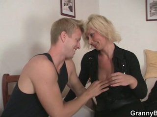 echt blondjes video-, gratis grootmoeder scène, meer moms and boys neuken