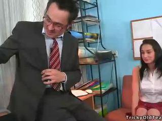 Fajčenie pre vyzreté učiteľka