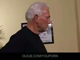 Tua dan muda seks tiga orang apaan