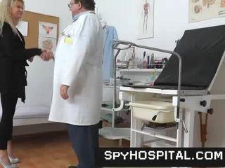 vagin, médecin, caméras cachées