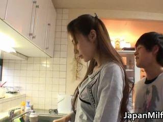 Anri Suzuki Japanese Beauty Engulfing