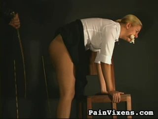 Ýigrenji girls spanked
