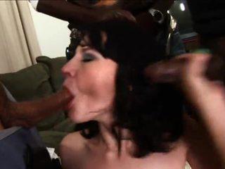 vol brunette, ideaal hardcore sex gepost, nieuw geschoren