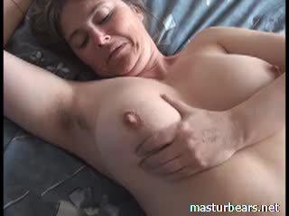 Orgazmus na domáce prsnaté francúzske milfka martine video