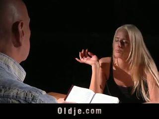 Oldje: chelsey lanette banged por an velho bald homem