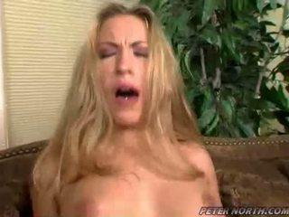 Jaime elle pounded קשה ב a חום daybed