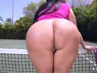 Çişik göt kiara mia gets fucked at a tenis court
