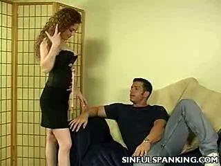 Red hawt bokong spanking punishment