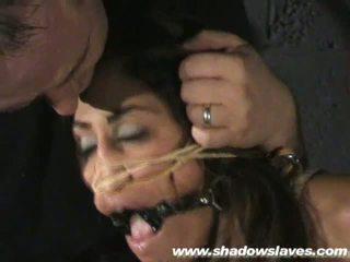 Sahara knite humiliating tvář bondáž a spanked