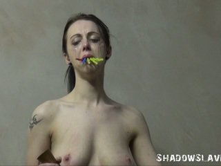 Emilys burning prisoner tortyr i tied och cellblock sadism av stor titted english masochist i earlobe candle waxing och severe erotiska tortures