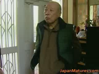 Japonais milf enjoys chaud sexe