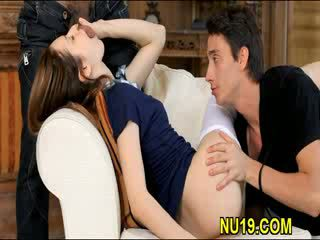 Neat pretty girl oraljobs man and gets fucked