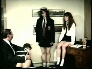 meer caning kanaal, over de knie spanking, vol spanking video-