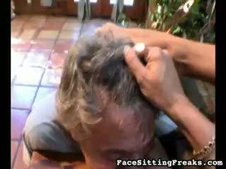 een brunette scène, heet grote borsten kanaal, zien kindje gepost