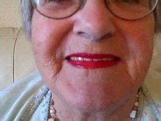 Γιαγιά puts επί αυτήν lipstick τότε sucks νέος καβλί βίντεο